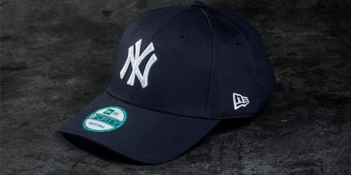 na czapki New Era