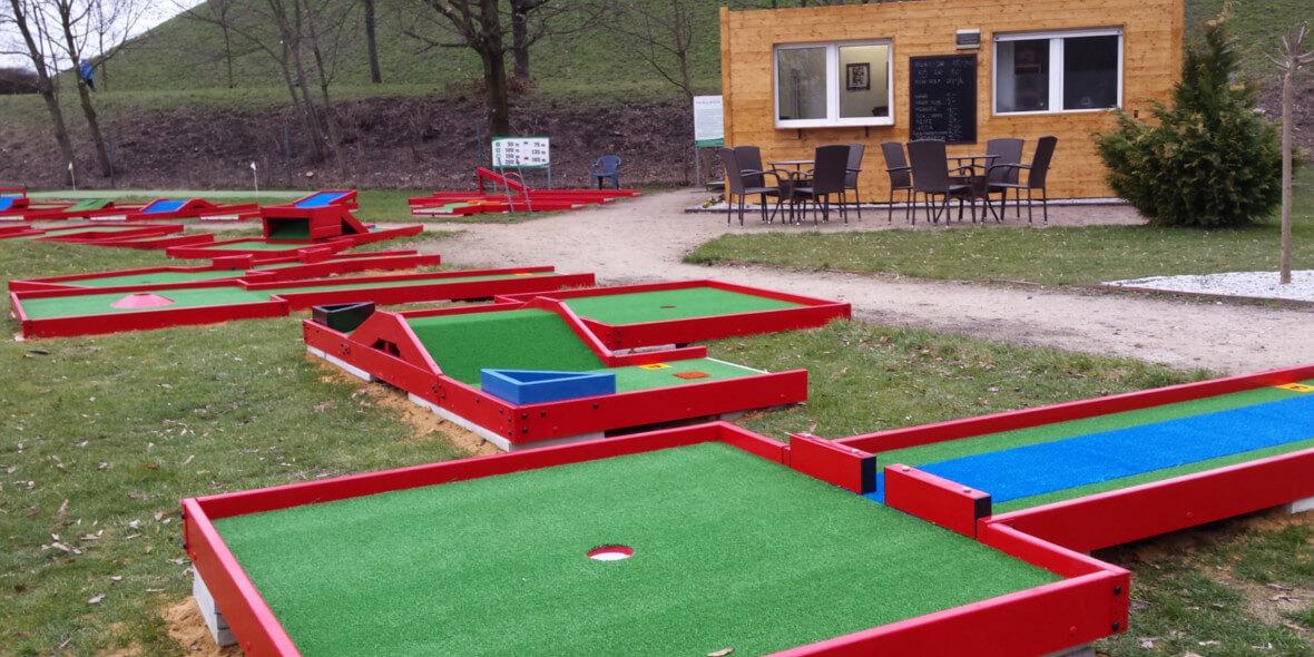 instruktaż gry w golfa